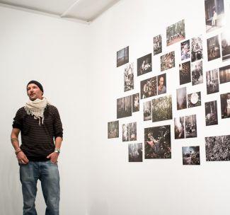Der Fotograf Matthias Ziegler spricht beim Werkstattgespräch im Münchner Stadtmuseum über seine Arbeit. (Foto: Robert Pupeter)