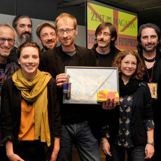2012 war Milena Carstens zu Gast bei Fotodoks und verlieh den ersten ZEITmagazin-Foto-Preis an den Fotografen Edmund Clark. (Foto: Sebastian Gabriel)